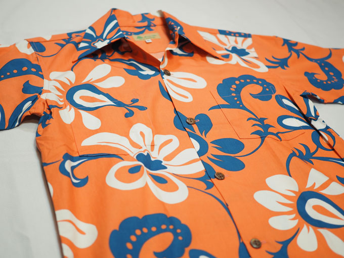 1ce32ad7c195fe ... 自らハワイで布を買い付けて、アロハシャツに製法したオリジナルのタイプも。ユーズドアロハシャツ との出会いは一期一会ですが、このデザインに会えるのもこのお店 ...